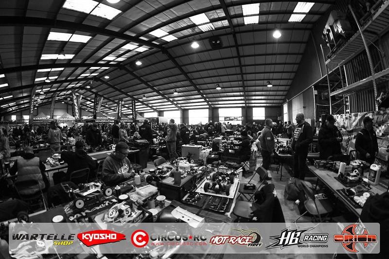 neo race track pits31.jpg
