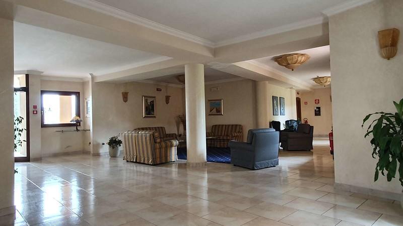 004 -  ROMA DOMUS HOTEL - LOBBY.jpg