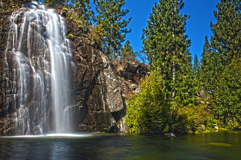 Mirabeau_Waterfall_HDR4.jpg