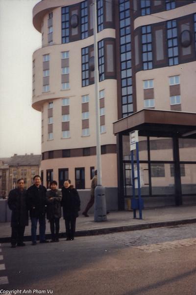 Co Lan Huong Visit 90s 33.jpg