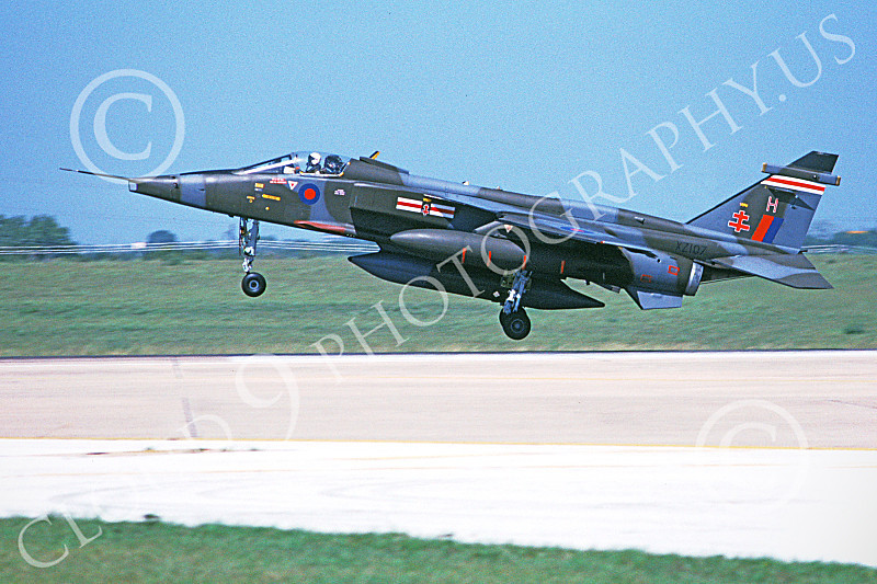 SEPECAT Jaguar 00007 A landing SEPECAT Jaguar attack jet British RAF XZ107 8-1990 military airplane picture by Michael Grove, Sr.JPG