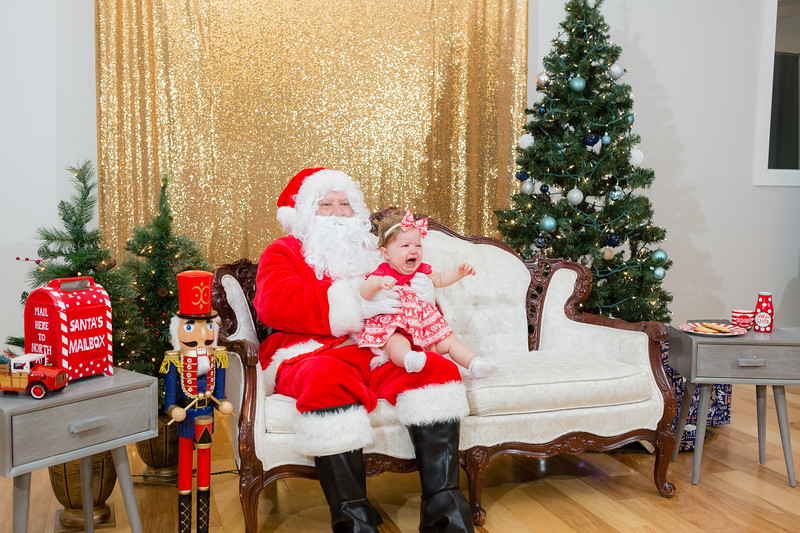 FADS Picture with Santa-318.jpg