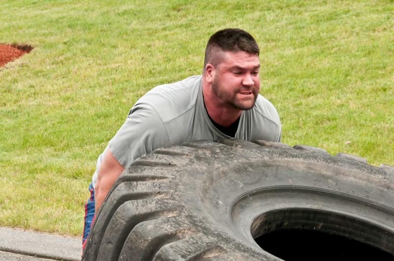 Fitness Revolution Strongman Challenge 2011_ERF4153.jpg