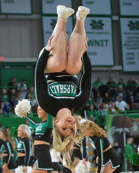 cheerleaders2643.jpg