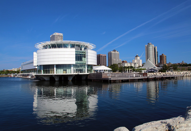 View from Grande Mariner.  Left: Discovery Museum and aquarium.  Far right: Milwaukee Art Museum.