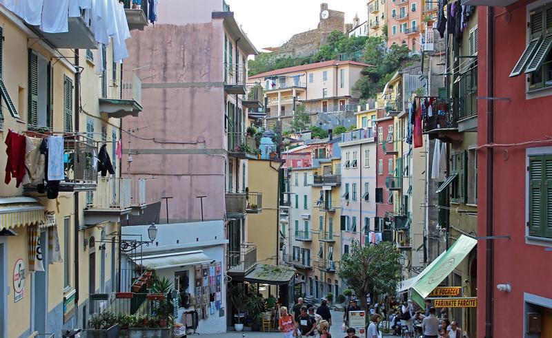 Italy-Cinque-Terre-Riomaggiore-06.JPG