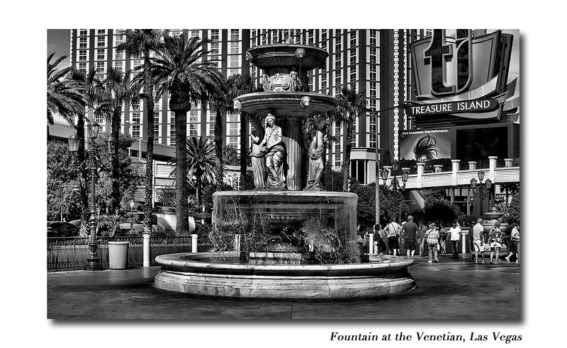 VenetianFontainB&W.jpg