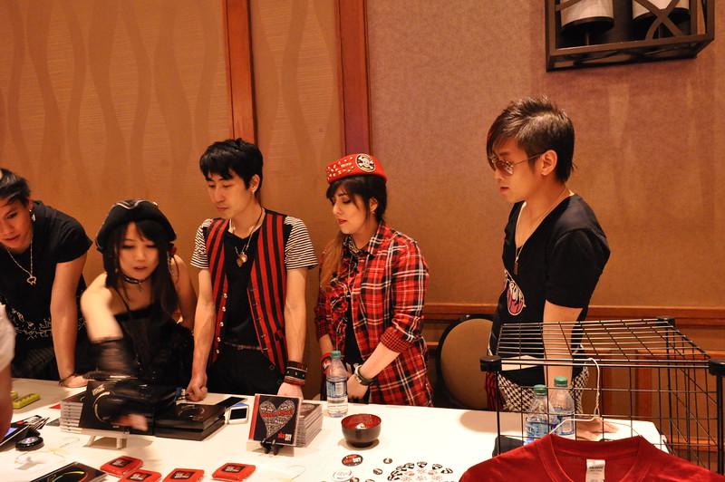 www.nellieanger.com2029.JPG