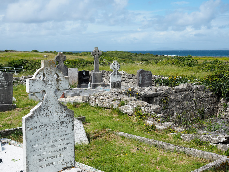Cemetery at the Seven Churches, Inis Mor