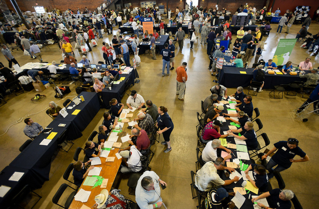. Hundreds of veterans attended the Metro Veterans StandDown event held at Fort Snelling. Among the services offered were health screenings, mental health assessments and referrals, housing assistance, free haircuts, legal assistance, employment assistance and free food and clothing. (Pioneer Press: Ben Garvin)