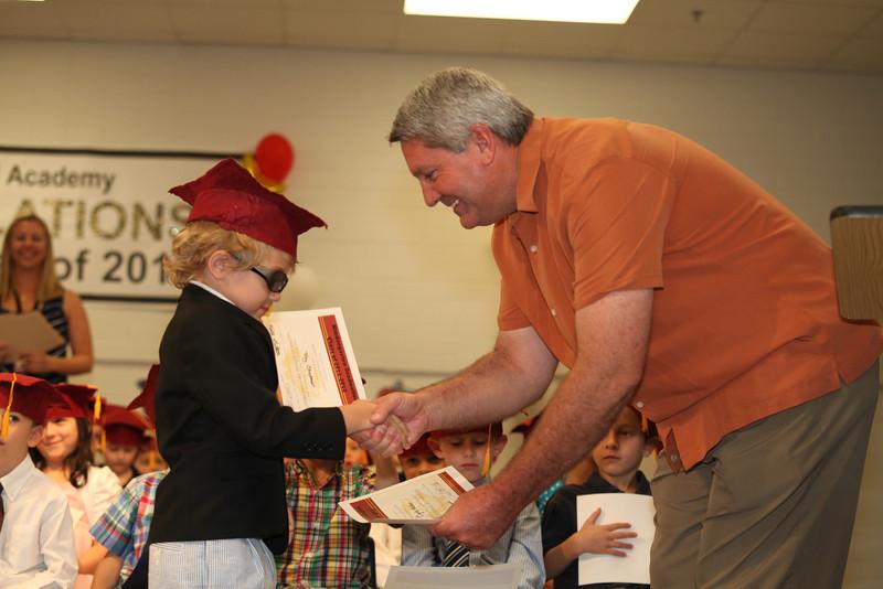 2012May18_MTA Kinder Grad_9751.JPG