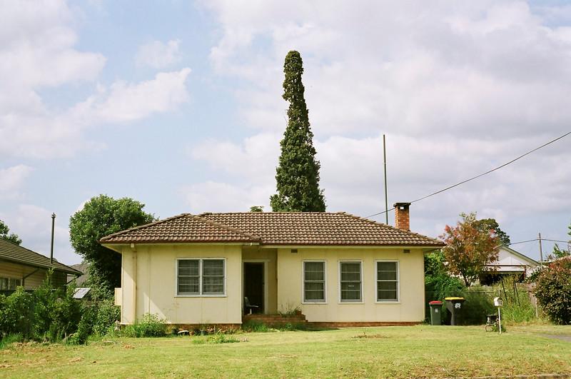 GWP. Fibro house in Nowra. 20080112.