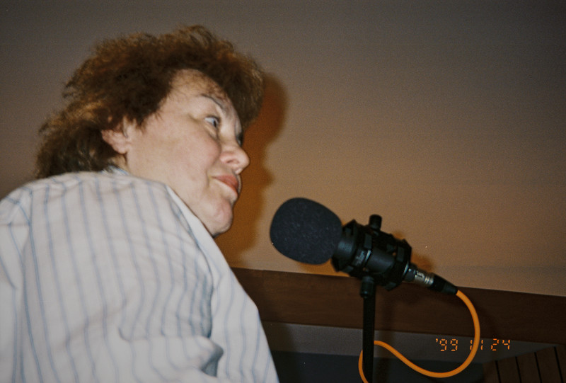 Shirley Lebin jamming in the Maple Room, August 17 1999.