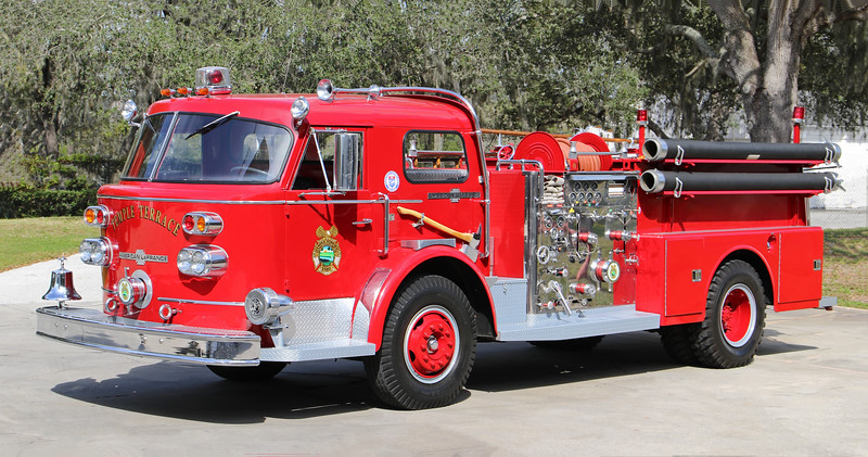 Antique.  1969 American LaFrance 900 Series.  1250 / 500  (Ex Five Mile Point FD, Kirkwood, NY)