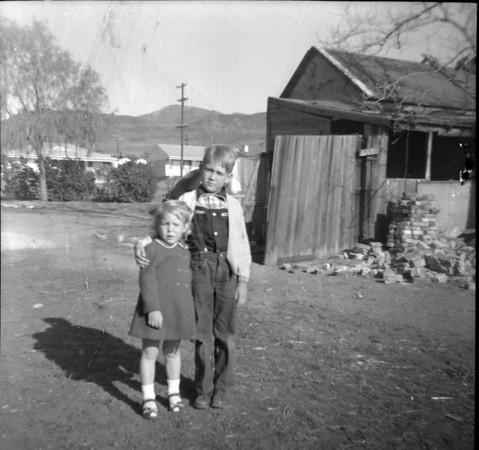 1951-b-Phil & Suzanne.jpg