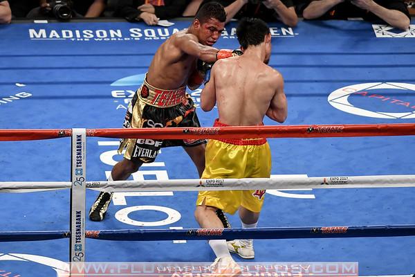 Srisaket Sor Rungvisa Beats Roman Gonzalez by Majority Decision