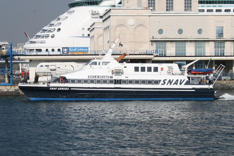 2008 - HSC SNAV AURIGA arriving in Napoli.
