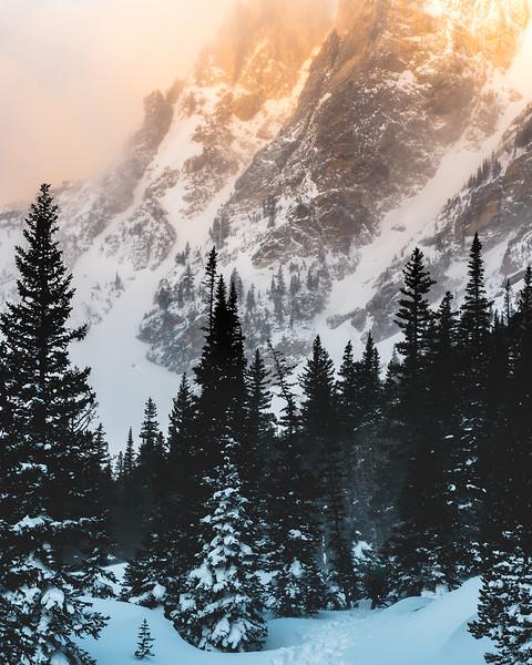 Dream Lake Sunrise Foggy peaks-2.jpg