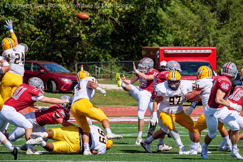 RHIT_Homecoming_2019_Football_and_Tent_City-8801.jpg