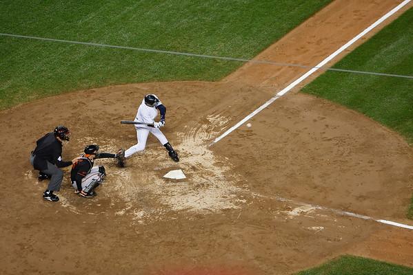 Jeter Breaks Gehrig Hit Record