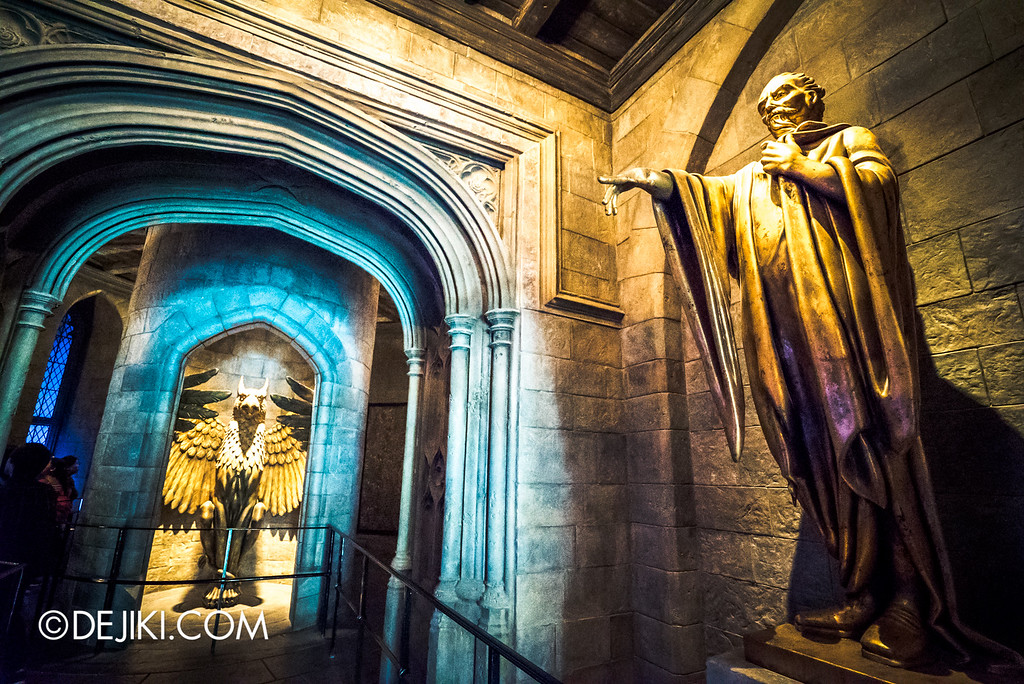Universal Studios Japan - Harry Potter and the Forbidden Journey / Hogwarts Castle Walk Tour - Corridor to Dumbledore's Office