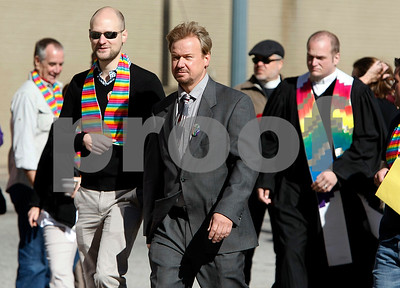pastor-who-performed-gay-marriage-keeps-ordination