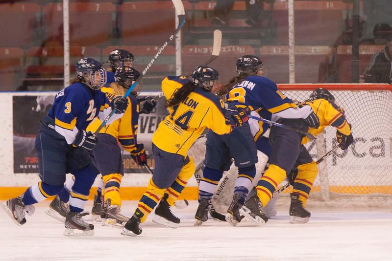 20130310 QWHockeyvsUBC 553.jpg