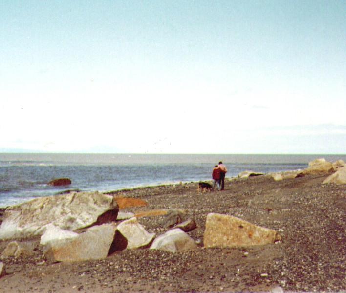 Connie,Dave,Tundra_Capt._Cook_beach,_7_80_.jpg