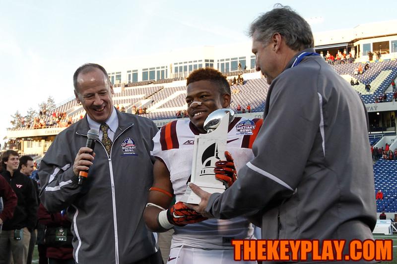 J.C. Coleman recieves the Military Bowl MVP award after a 157 yard, 1TD game. (Mark Umansky/TheKeyPlay.com)
