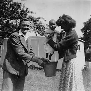 Grandad Dalton, Doreen & Suzanne.jpg