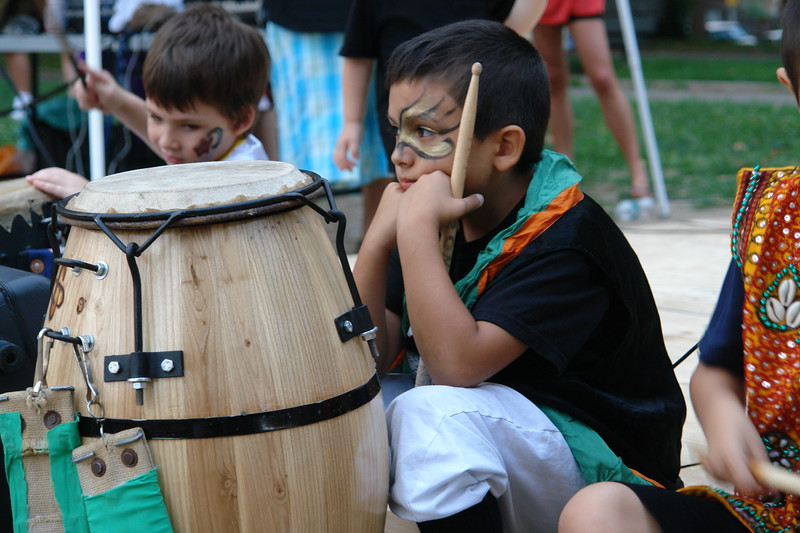 ASTORIA MUSIC AND ARTS FESTIVAL 2009                                                                                               Manos Del Candombe                                                                                              http://www.youtube.com/user/CANDOMBENEWYORK