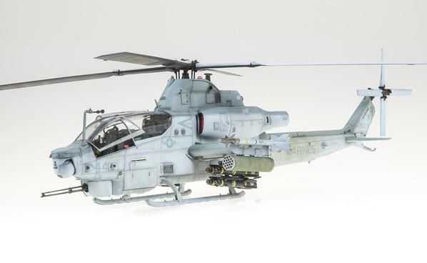1:48 Kitty Hawk AH-1Z Viper