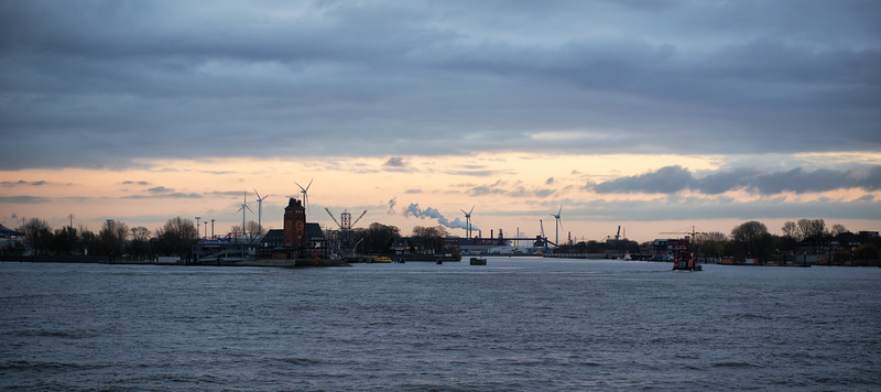 Lotsen Stationen an der Elbe in Hamburg