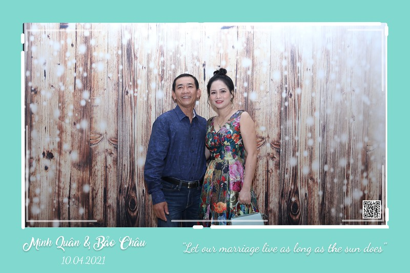 QC-wedding-instant-print-photobooth-Chup-hinh-lay-lien-in-anh-lay-ngay-Tiec-cuoi-WefieBox-Photobooth-Vietnam-cho-thue-photo-booth-094.jpg