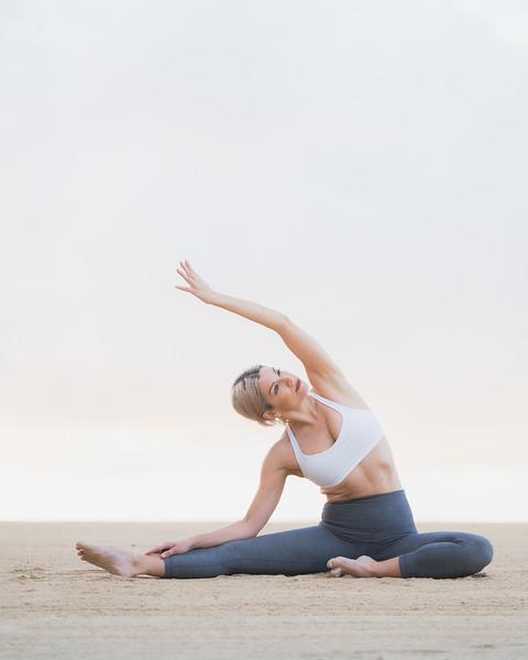 IG - Hawaii - Madeleine Russick - Yoga-468.jpg