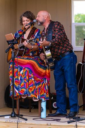 Joyann Parker Duo at Vintage Escapes Winery 210529