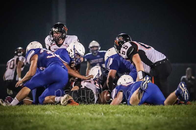 GC Football vs Elk Mound-1024.JPG