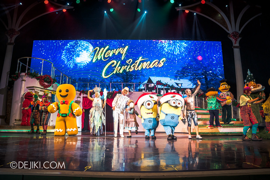 Universal Studios Singapore December Park Update - Santa's All Star Christmas 2016 / Bah Humbug! A Christmas Spectacular show - Finale Curtain Call