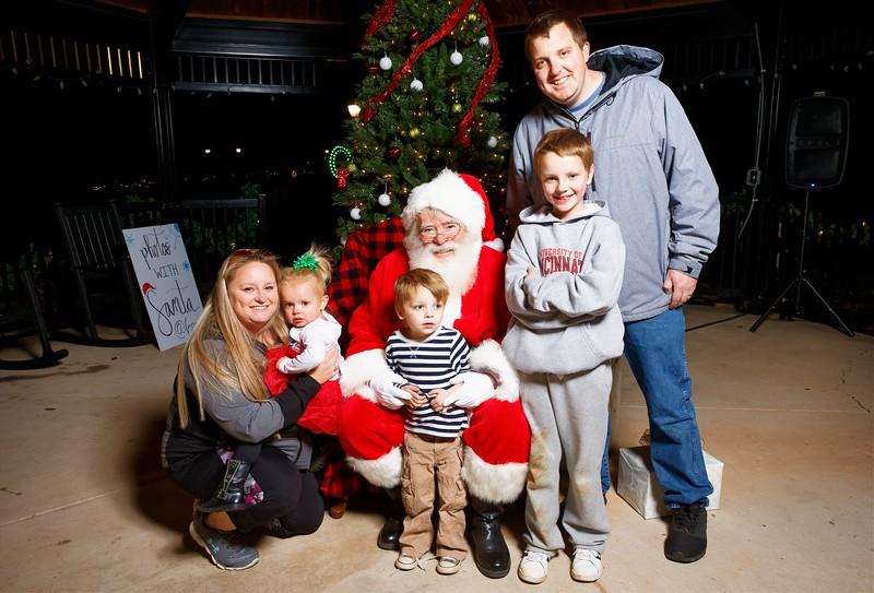 Cramerton Photos with Santa 2019 - 00083_DxO.jpg