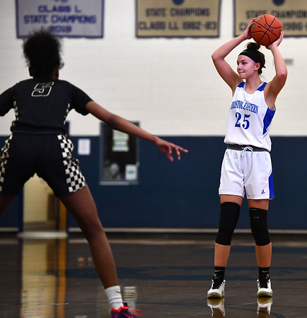 2/20/2020 Mike Orazzi | StaffrBristol Eastern's Sage Scarritt (25) during Thursday night's CCC girls basketball game with East Hartford in Bristol.