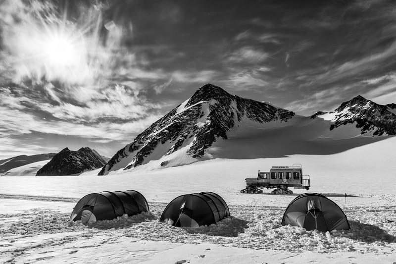 Climb Antarctica Womenee -1-11-18100282.jpg