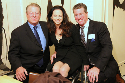 Al Gore honors Michela Alioto-Pier for Mayor of San Francisco.