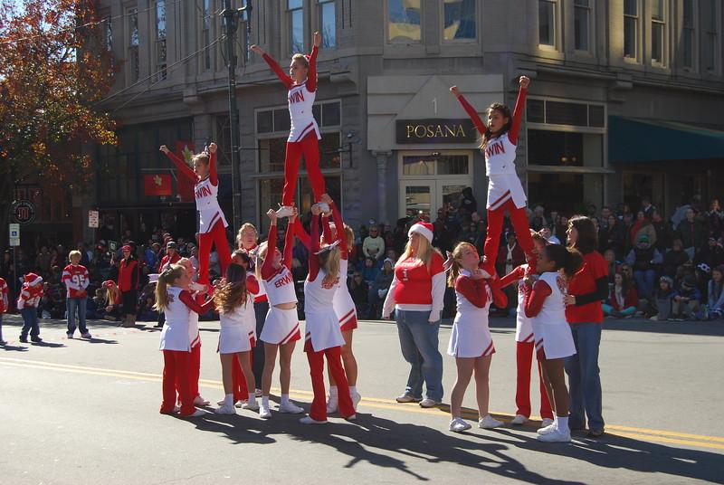 Parade 736.jpg