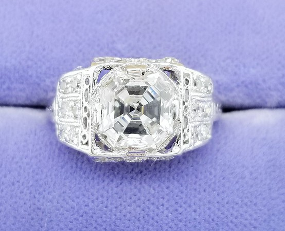 2.01ct Vintage Asscher Cut Diamond Ring - GIA G, SI1
