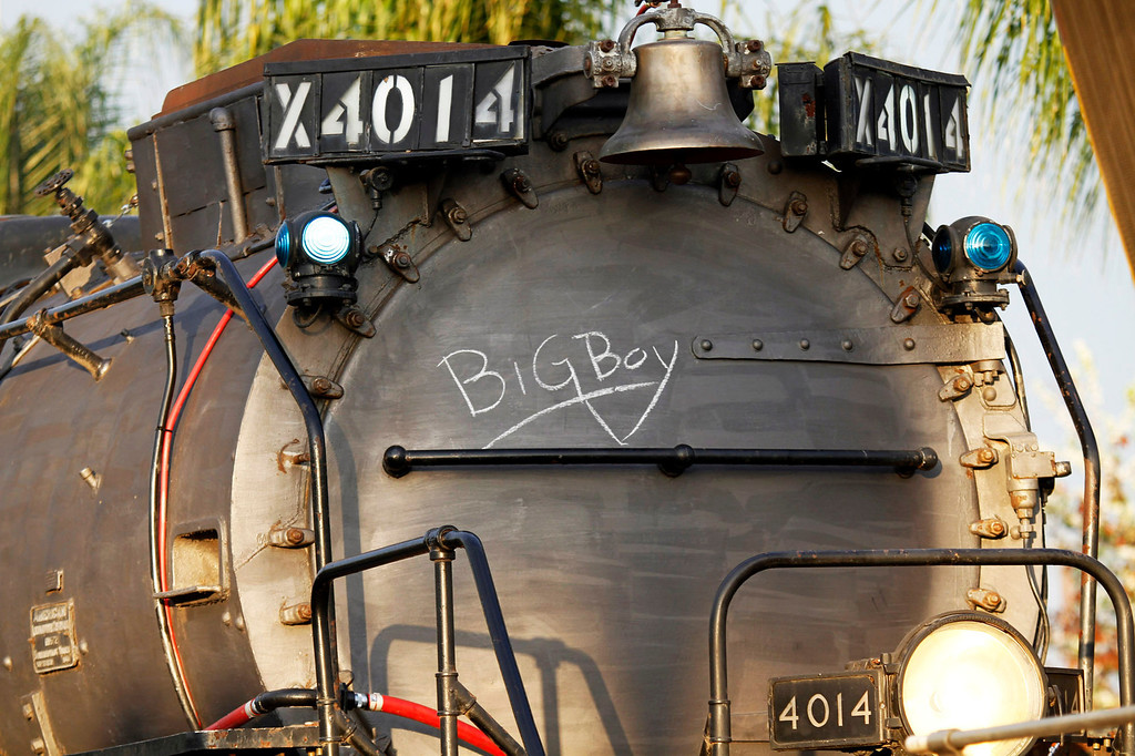 . The historic Big Boy train, weighing 1,200,000 pounds, stopped at the Covina Metrolink Station for an hour on its way to Union Pacific\'s Heritage Fleet Operations headquarters in Cheyenne, Wyoming, at the  Covina Metrolink Station in Covina, CA., Sunday, January 26, 2014. (Photo by James Carbone for the San Gabriel Valley Tribune)