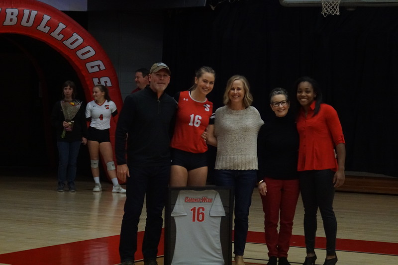 Volleyball played USC Upstate for senior night