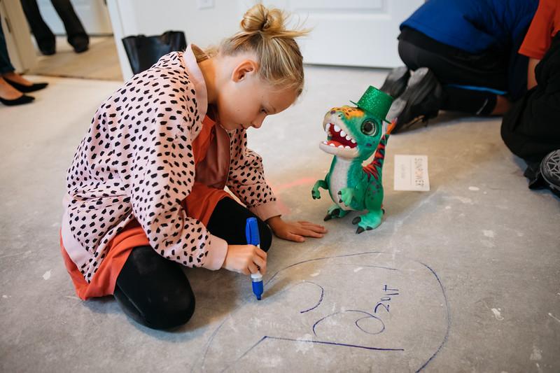 floor_signing_stjude-21.jpg