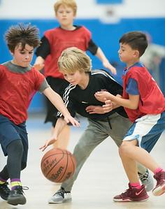Mateos playing basketball