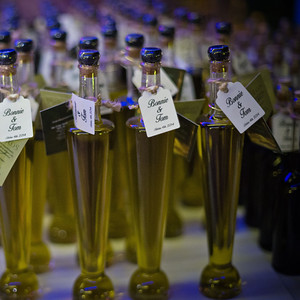 32905 Olive oil bottle