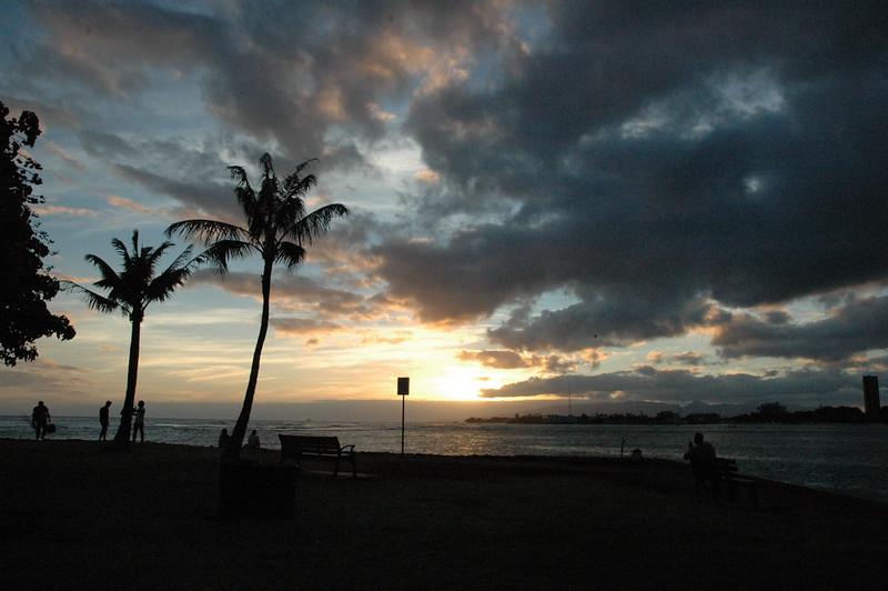 Hawaii - Ala Moana Beach Sunset-48.JPG